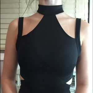 NASTY GAL SEXY BLACK ZIPPER  COLLAR CROP TOP